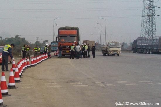 成都治超第一月 已劝返超限货车2.7万辆高清图片