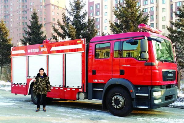 冰雪世界守护者记重科消防机械工程师