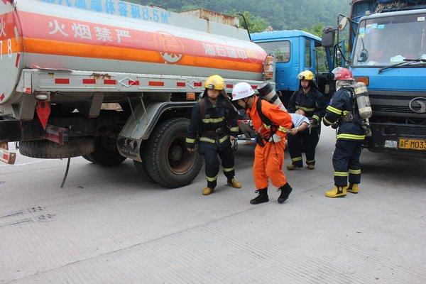 爆炸后的教训七省危险品车辆高速停运