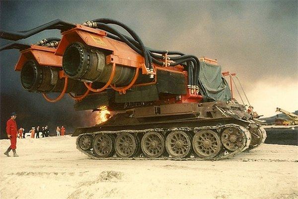 世界灭火最强消防车在25年前就出现了