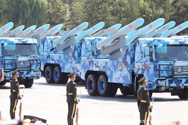 大阅兵上的卡车兵团