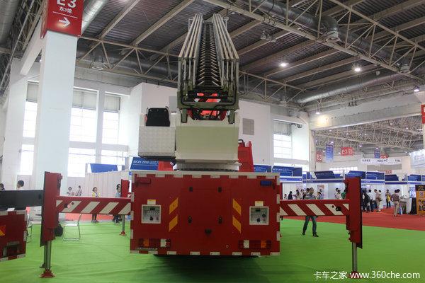 烈焰战车也闪亮应急展的两款消防大兵
