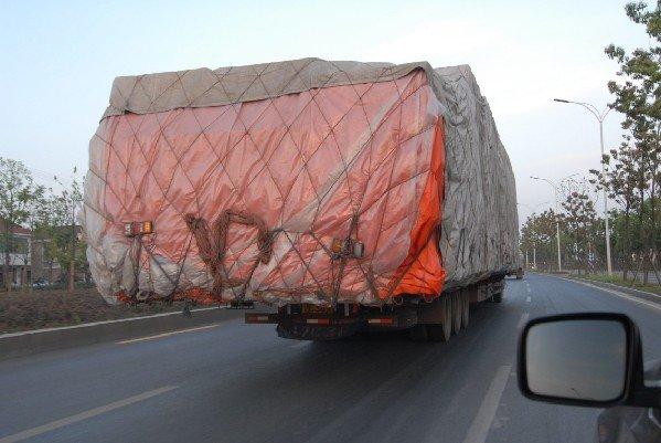 流动的'不定时炸弹'疯狂货车亟待治理