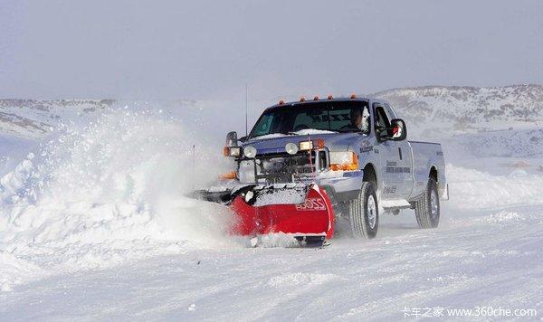 冰雪无情车有情!雪地中也有强力战斗机