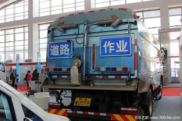 2016环卫展:比亚迪纯电动重卡扫洗车