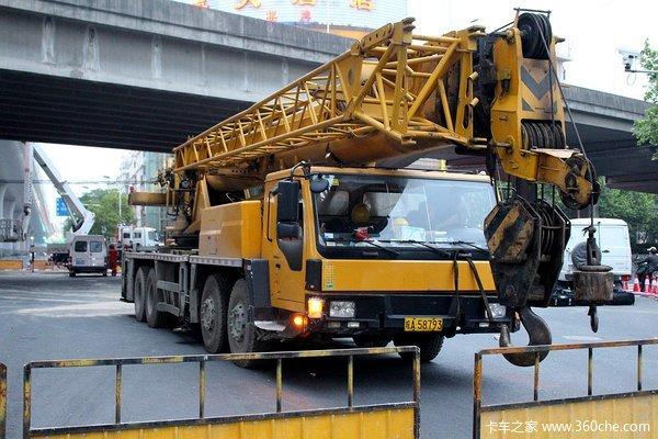 全体出动中环断桥引发的市政车总动员